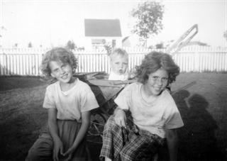 Sedgwick Family 1103 Lancaster Blvd c.1951