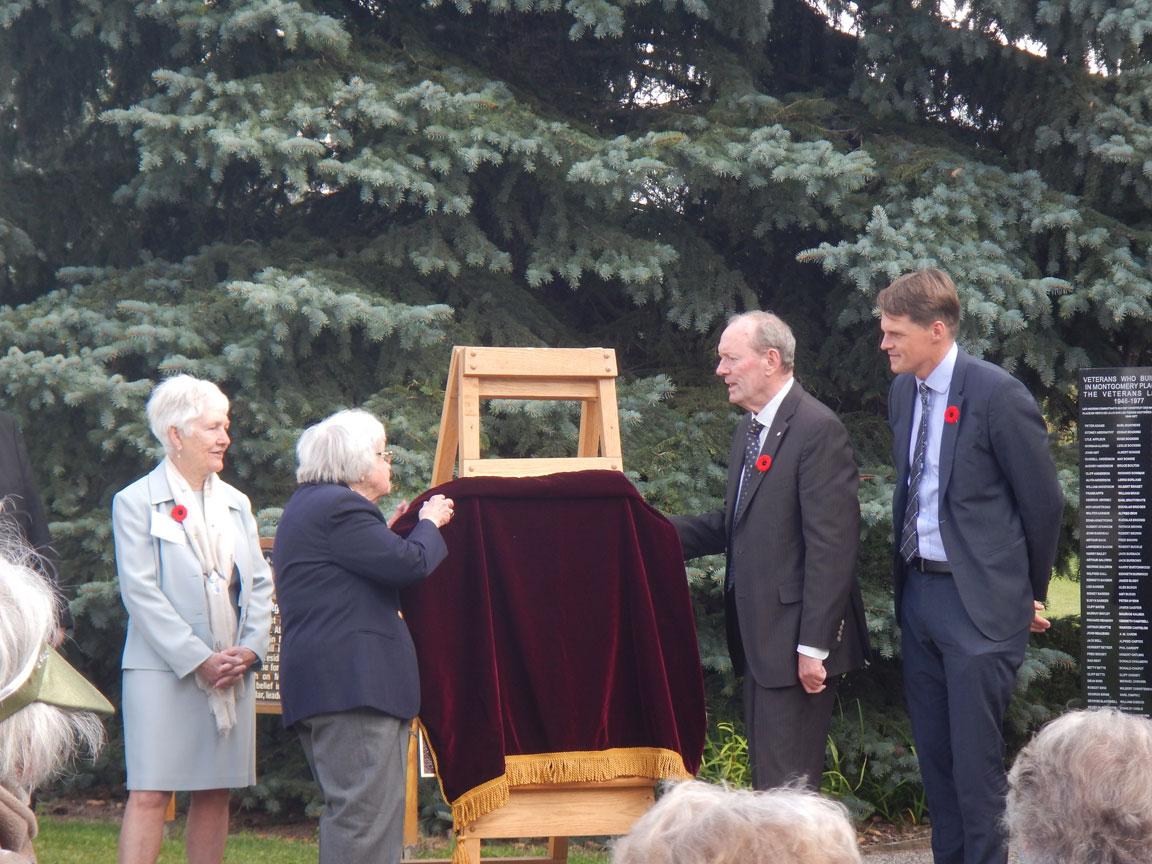 Nat-Hist-Site-plaque-unveiling-17-Sept-2017 (1)