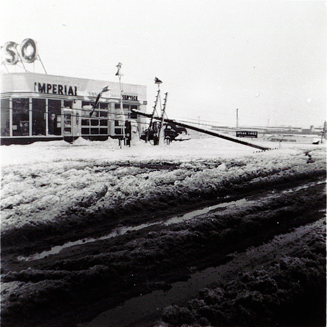 1954 Spring storm at Buzbys Esso 2015 11th St_1
