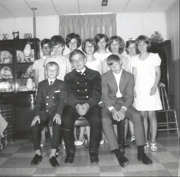 Montgomery School Grade 8 Grad - 1968
