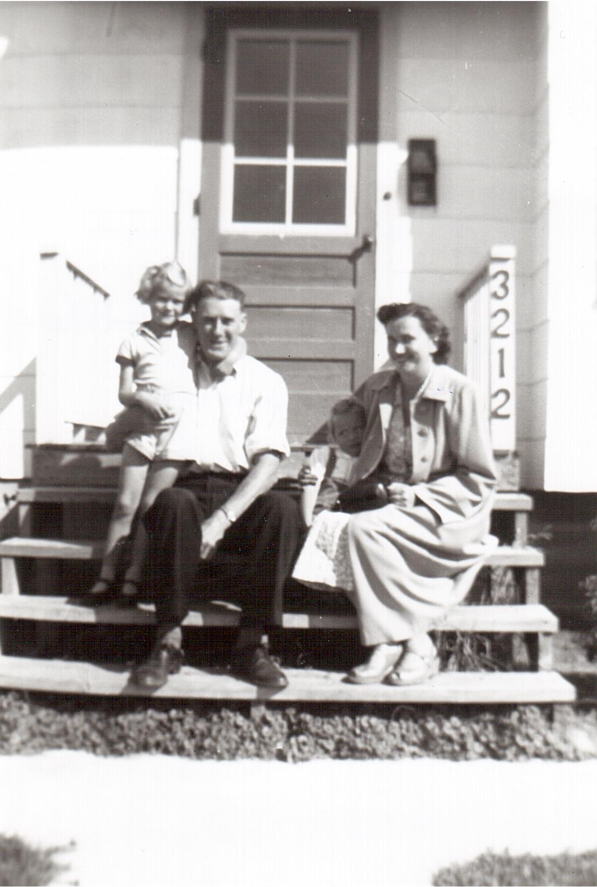 Montgomery family 3212 Caen St -1951