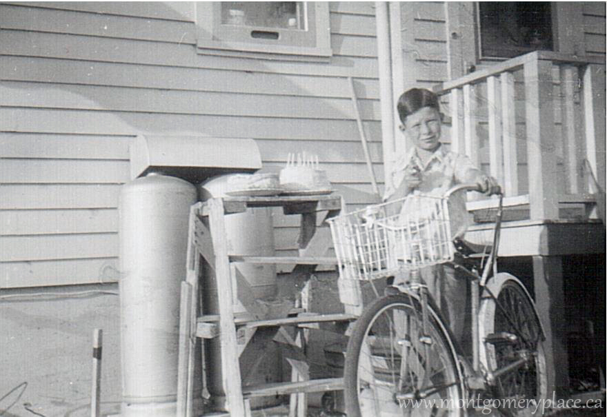 Moonie-Family-3149-11th-St-Don-with-bike-1955