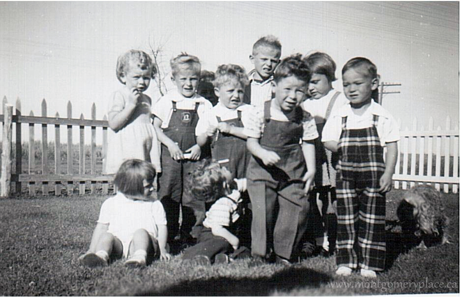 Moonie-Family-3149-11th-St-Don's-4th-birthday-party-1951