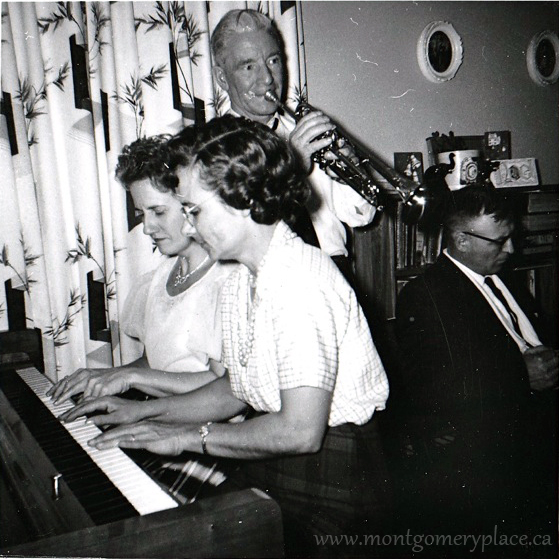 Reta-Sedgwick-at-piano-with-her-sister--1103-Lancaster-Blvd--1961