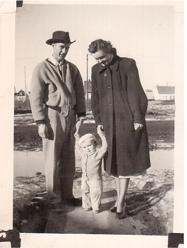 Bern and Ev Newman son Greg Saskatoon-1949