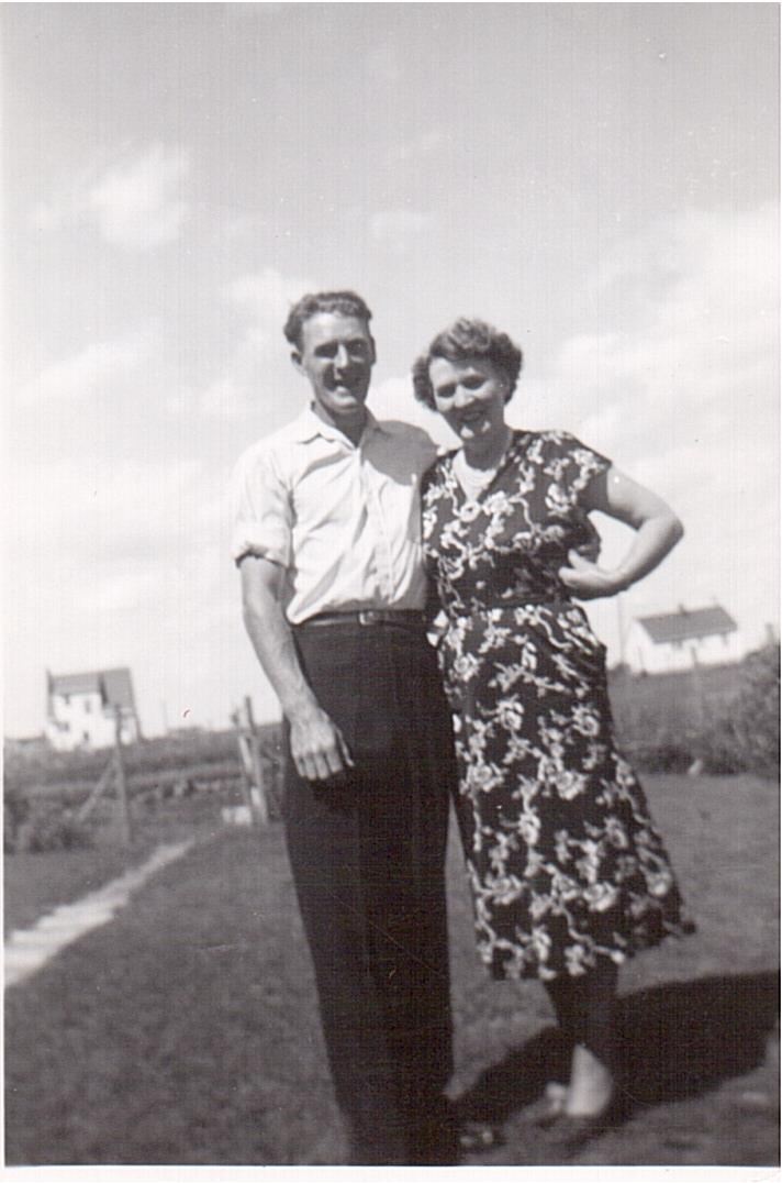 Montgomery -Russ with Jessie Walker c.1949