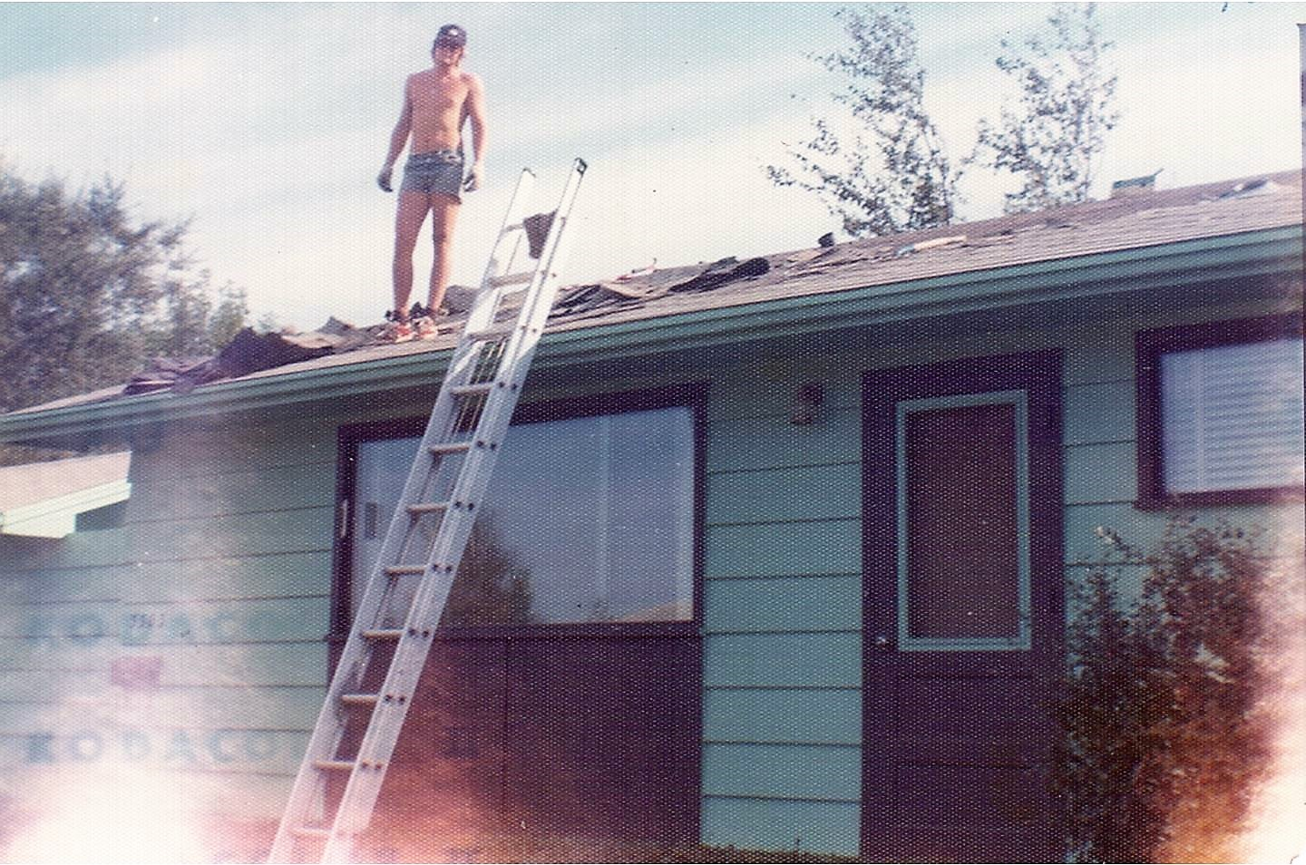 Newman Family-3303 Caen St - Larry roofing 1978 (2)